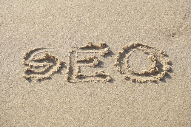 Seo écrit sur le sable